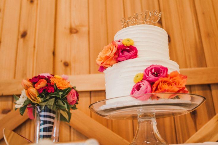 wedding cake -   floral decorations #rusticweddinginspiration