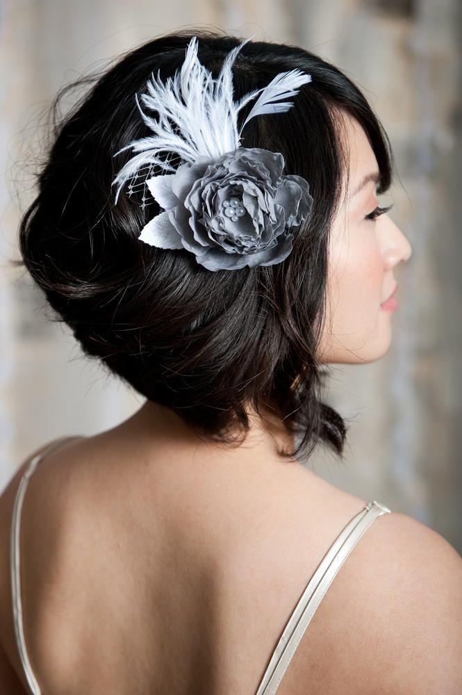 Lovely hairstyleWedding Day Hairstyles, Hair Piece, Shorts Hair, Grey Flower, Flower Fascinators, Medium Hair, Hair Accessories, Wedding Hairstyles, Hairpiece