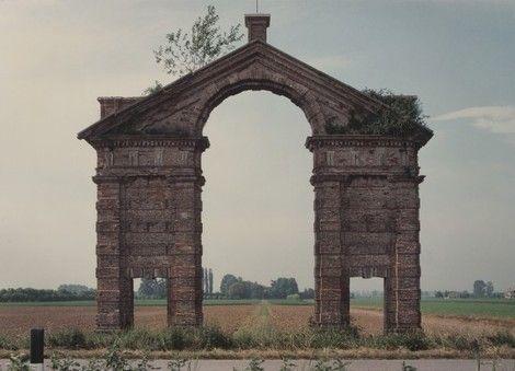 Luigi Ghirri, Bagno San Vito, Statale per Ostiglia 1988