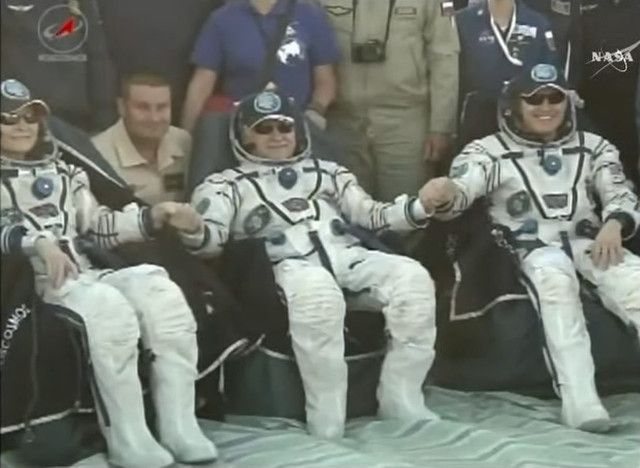 A few hours ago the astronauts Peggy Whitson and Jack Fischer and the cosmonaut Fyodor Yurchikhin returned to Earth on the Soyuz MS-04 spacecraft, that landed without problems in Kazakhstan. Peggy Whitson spent more than 9 months on the International Space Station, where she arrived on November 19, 2016. Jack Fischer and Fyodor Yurchikhin spent just over 4 months on the International Space Station, where they arrived on April 20 2017. Read the details in the article!