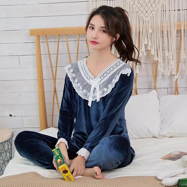 Gold Velvet Women Pajamas Sets WAVMIT Autumn Winter Long Sleeve Sleepwear  Warm Big Girl Pijamas Mujer adc856e53