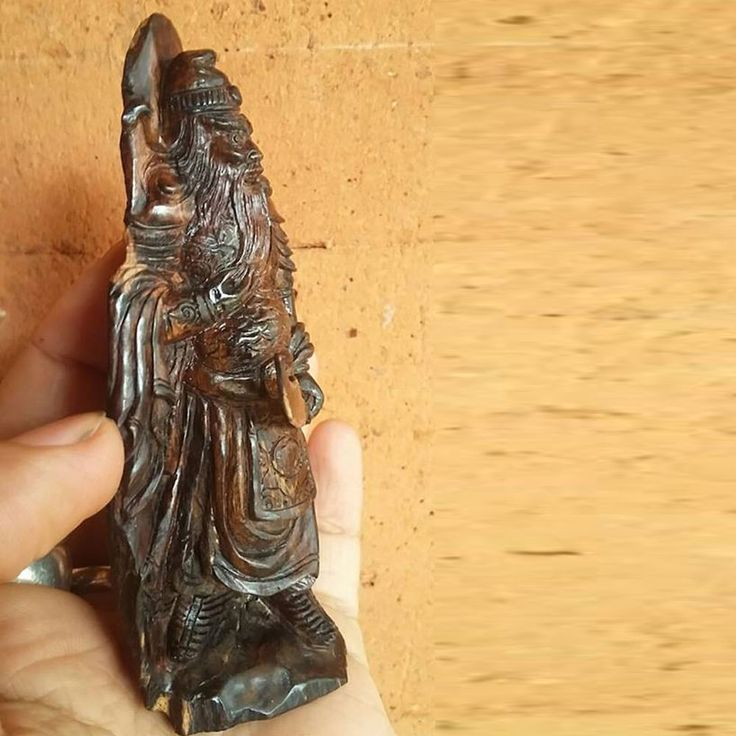 Chinese Warior Dragon GuanGong Guanyu Natural Agarwood Fossil God Statue 4.5""