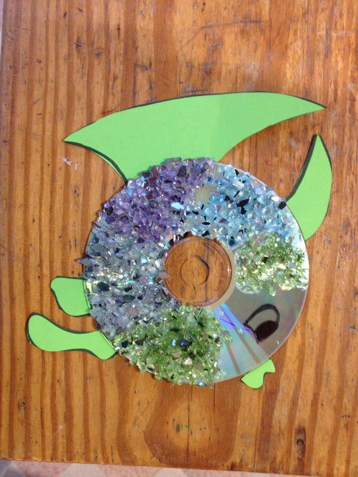 CD-vis met kleine parels van IKEA beplakt :)