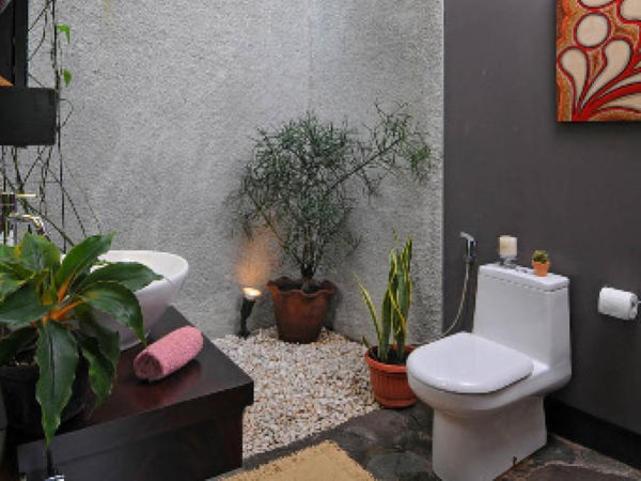 Natural Bathroom. Interesting!