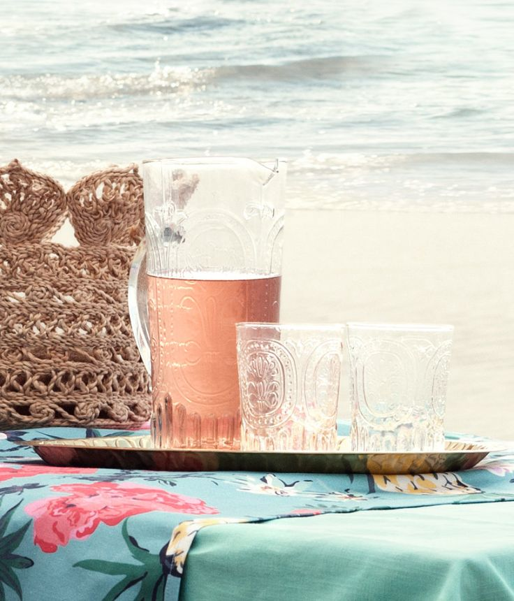Clear patterned drinking glass | H&M GB