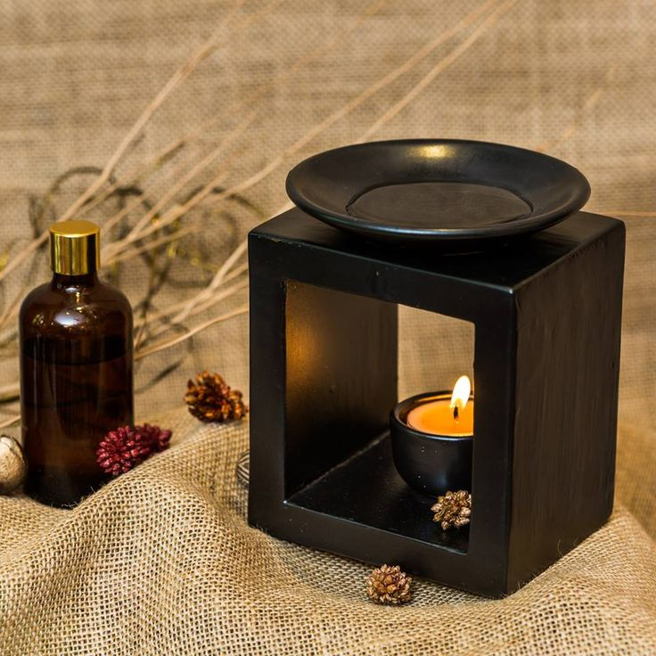 #Krixot Beautiful fragrances and the soft light radiating from this stunning #OilBurner will stimulate your festive ambience.