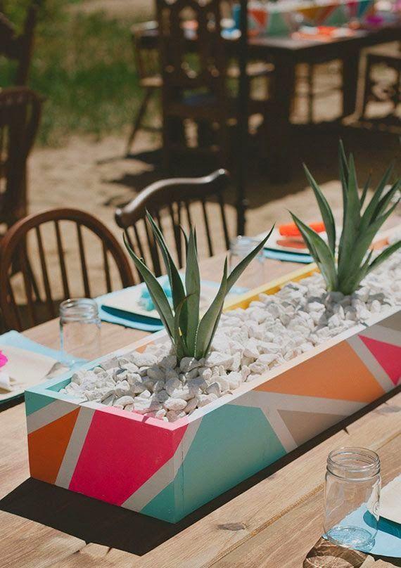 Cactus y suculentas con matera llenas de color para decorar tu hogar, recordatorios u obsequios para eventos corporativos, lanzamientos y matrimonios.