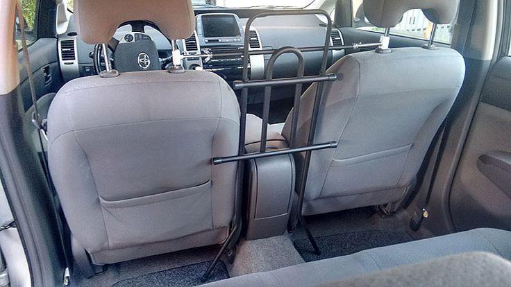 Separatore auto sedili anteriori su Toyota Prius
