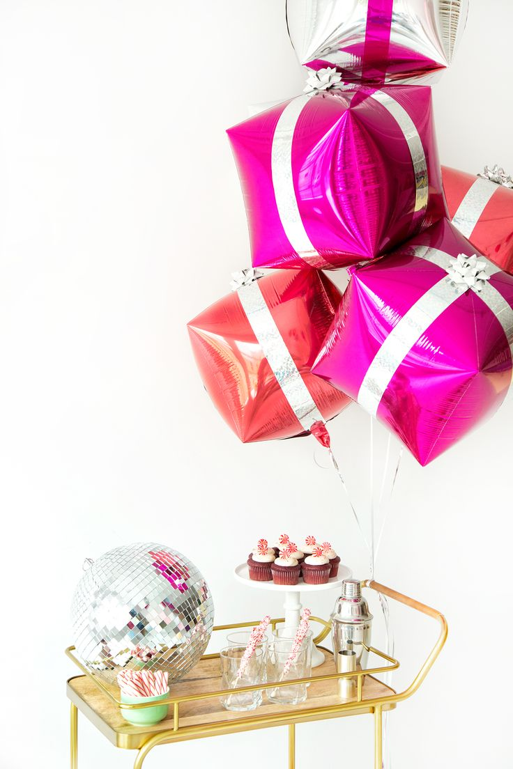 DIY Present Balloons | Christmas | Studio DIY + Balloon Time