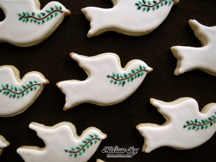 Example of how to decorate our dove cookie cutter ...
