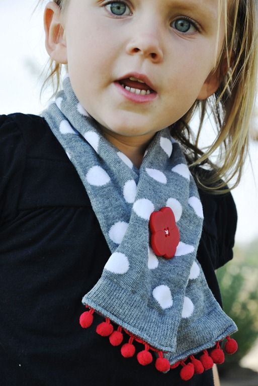Super easy toddler scarflette tutorial - genius use of materials.