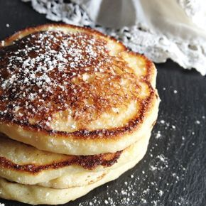 Today, my lovely cousin and newly contributor (YAY!!!!!) Tori of Fraiche Nutrition is sharing an AMAAAAZING twist on her famous Angel Cakes!!! This version of her pancakes is hands down THE BEST version she has…