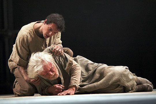 King Lear 2007 - Men must endure.