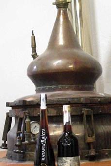 Imatges trobades pel Google de http://www.pirineo.com/sites/default/files/imagen_principal_noticias/2011/06/10/ratafia.jpg