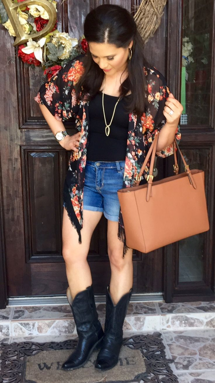 Summer outfit | kimono | floral | fringe | distressed ...