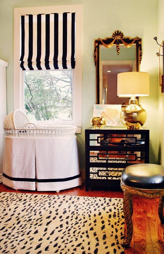 neutral nursery: Romans Shades, Nurseries, Royals Baby, Black And White, Black White, Colors Schemes, Window Treatments, Baby Rooms, Rugs