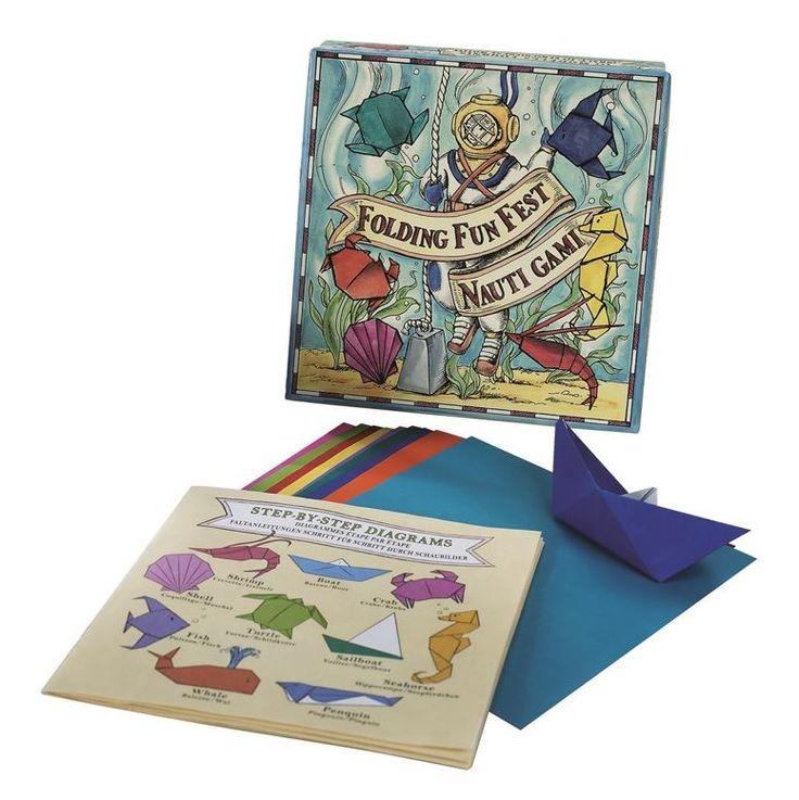 Nautigami, un cofanetto contenente schede tecniche e tante carte colorate per realizzare divertenti origami a tema marinaro come pesci, conchiglie e barche classiche. Solo in nostro showroom! #SalesByCaroti #Saldi PREZZO: € 19 (Sconto 40% - Prezzo originale € 31) Cod. Prodotto: A062