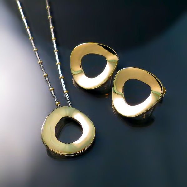 53 best For the Love of Gold images on Pinterest Gold decorations