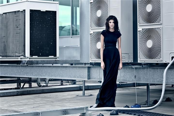 Julie Chytilová/Czechoslovak models by w:u studio