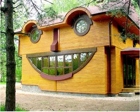 Amazing Architecture - Smile Building: Happy Faces, Unusual Home, Happy Houses, Crazy Houses, Houses Style, Funny Faces, Unusual Houses, Houses Design, Weird Houses