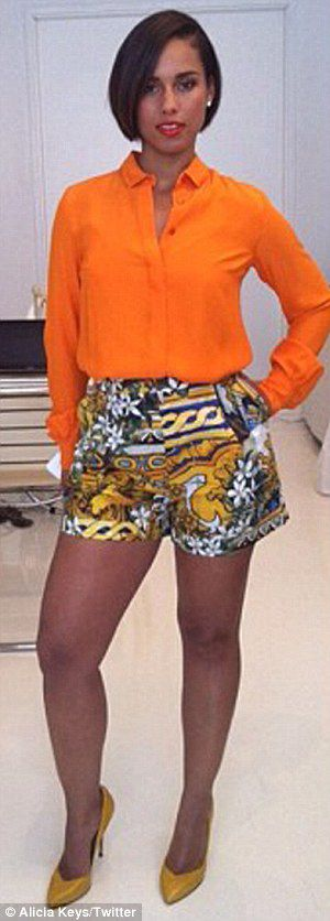 Alicia Keys - l.o.v.e. the printed shorts and the new cut! The HAIR looks fab