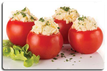 Салаты помидоры колбоса сыр