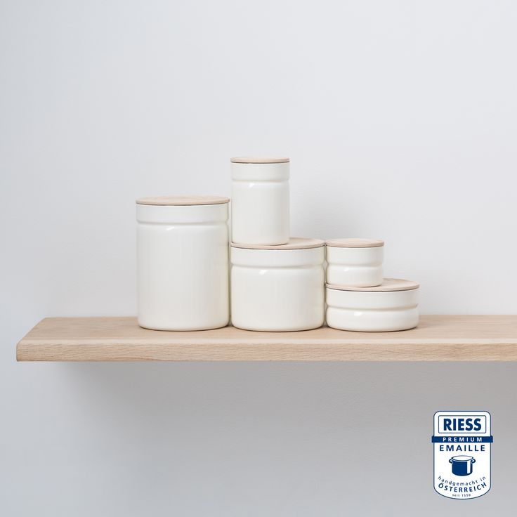 RIESS Kitchenmanagement are storage boxes with ash wood lids. They are stackable and keep food flavour-neutral and protected from light.
