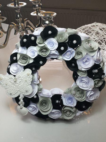 Kränze - Türkranz aus Papierblumen - ein Designerstück von uwe-hess bei DaWanda