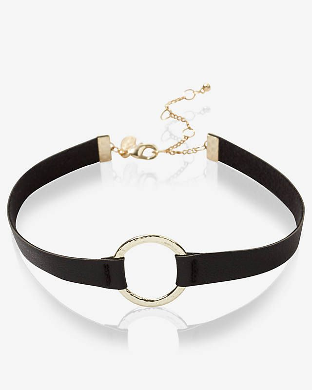 Hammered Circle And Leather Choker Necklace from EXPRESS in black