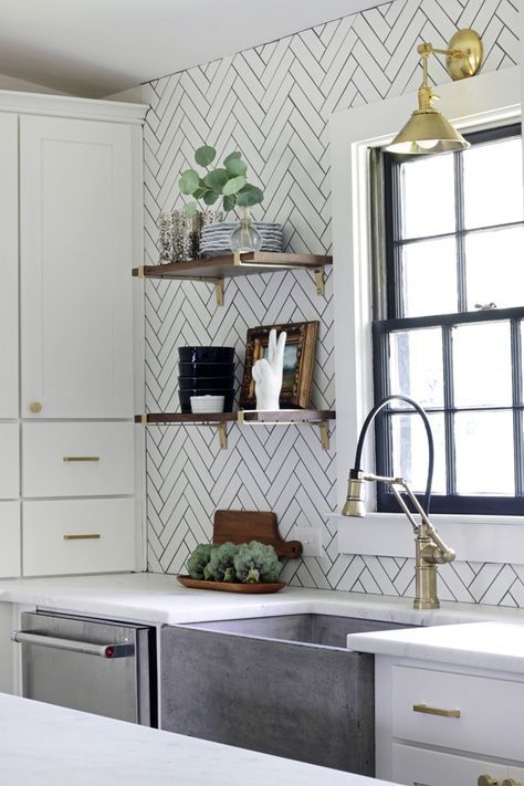 Pin 3: The white tiled splash back in this kitchen is used to add textured and enhance visual interest.