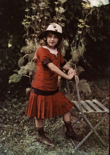 France autochromes Edwardian girl, c.1915