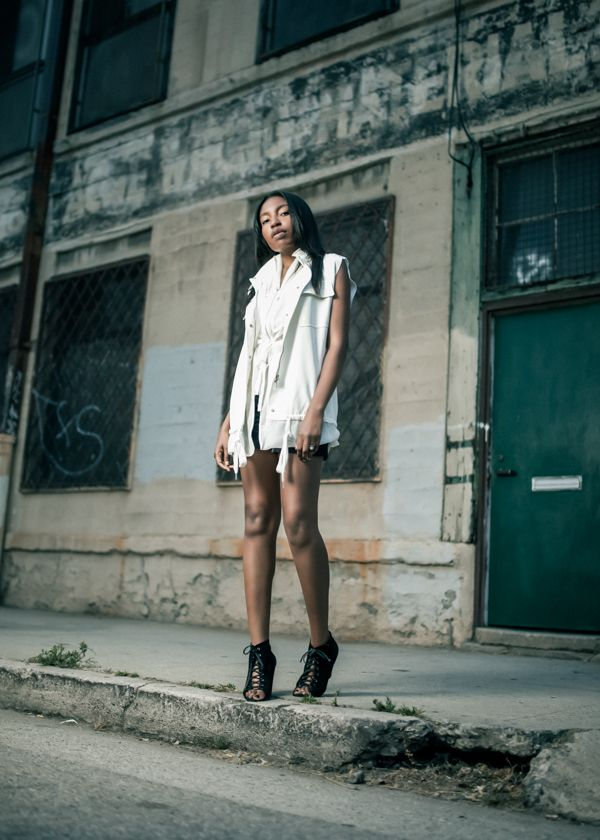 RED REIDING HOOD: My top 10 fashion blogs Theresa The Habit fashion blogger LA Los Angeles Model off Duty streetstyle editorial look outfit white layers edgy industrial alexander wang
