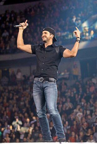 LB in concert!! He's amazing!