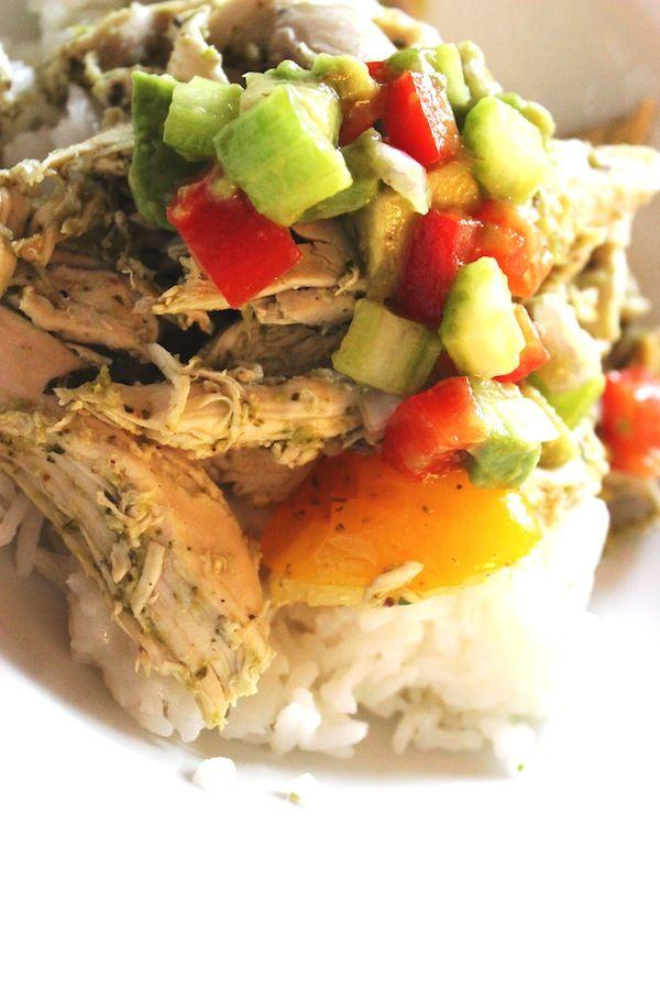 Riz au jasmin au poulet pesto et salsa douce à l'avocat (sans oeufs, lait, noix, arachides ni blé) #recettesduqc #poulet #souper