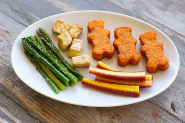 Quick and Easy Meals for Kids - Eating Made Easy - Sweet Potato Littles with Asparagus, Roasted Tofu, and Rainbow Carrots