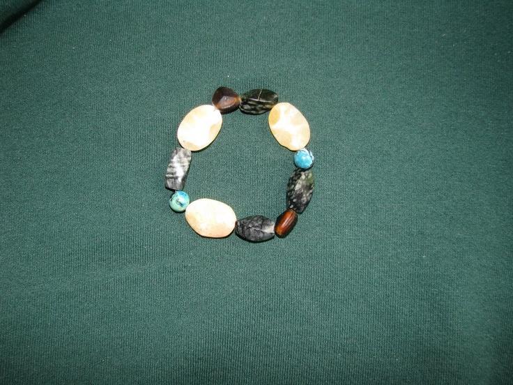 Stone Stretch Bracelet    https://www.facebook.com/photo.php?fbid=547007038666206=pb.534531073247136.-2207520000.1362761835=3