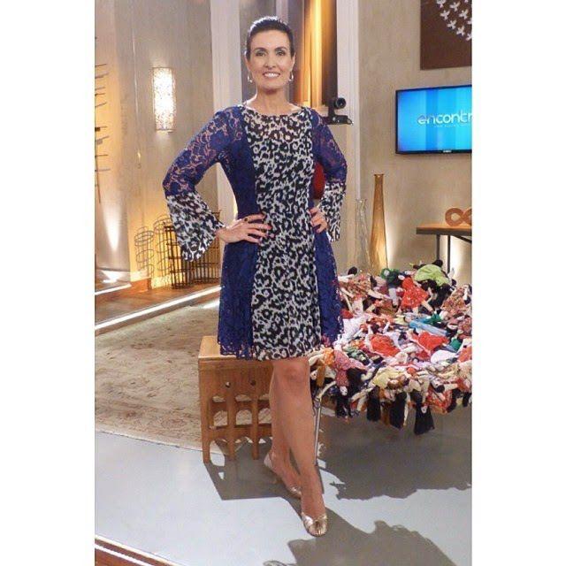 vestido com renda azul oncinha fatima bernardes encontro