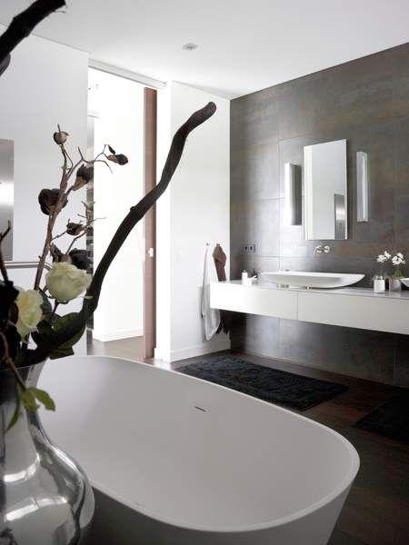 Moderne badkamer comfort design en luxe badkamer ontwerp pinterest villas design and van - Moderne luxe badkamer ...