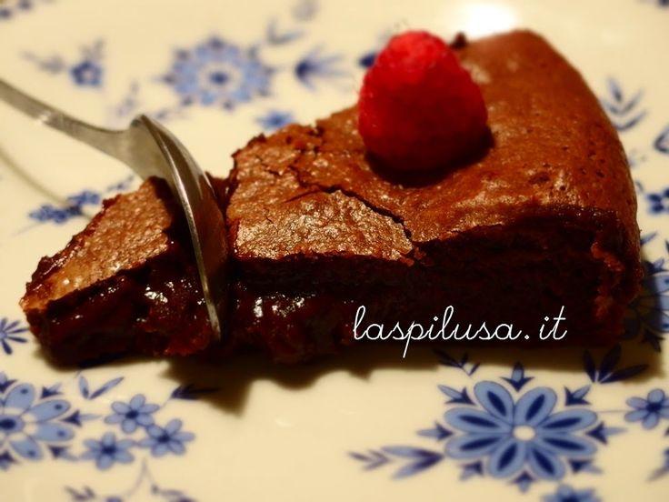 """la spilusa: Torta """"scioglievole"""" al cioccolato fondente e burr..."""