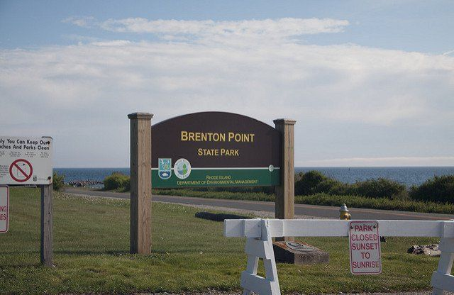 Brenton Point State Park is found on Ocean Drive in the beautiful town of Newport in Aquidneck Island. The park is situated along the point where Narragansett Bay meets the Atlantic Ocean creating a delightful ocean breeze and stunning scenery.