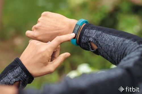 When you create your Fitbit account, we start you off with a 10,000 a day step goal, and here's why: It adds up to about five miles each day for most people, which includes about 30 minutes of daily...