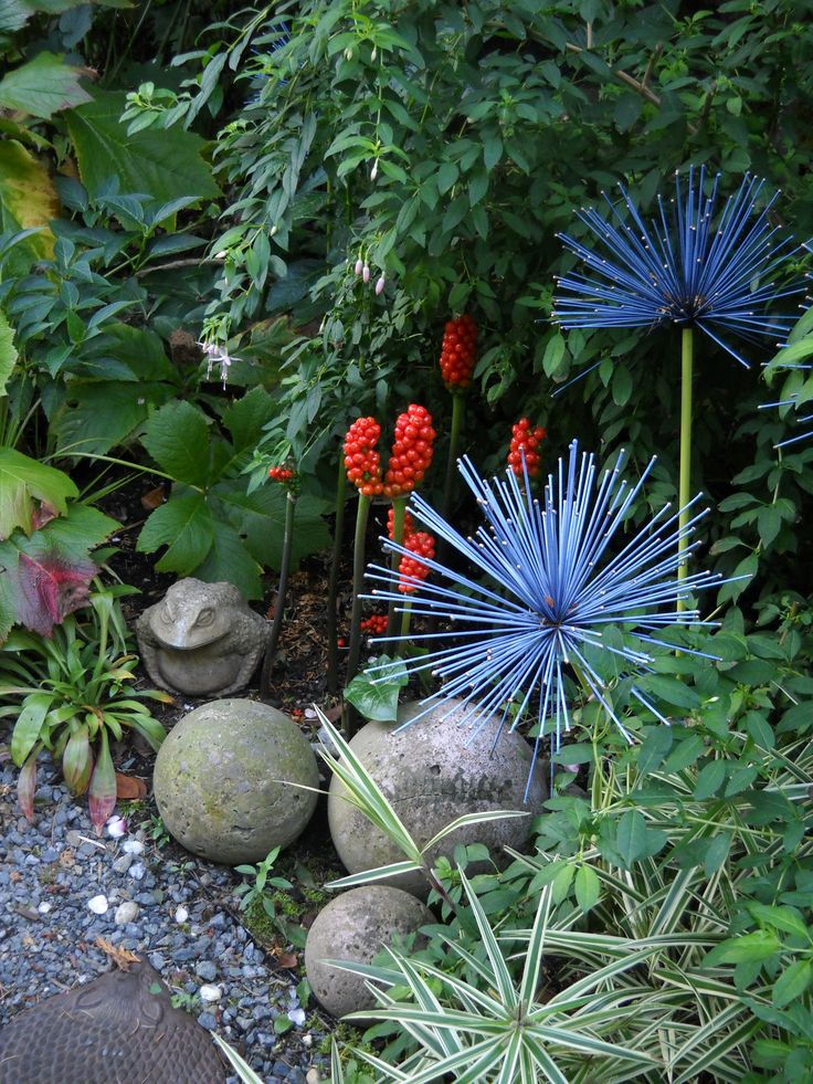 whimsical garden art by brewbooks from near seattle usa some art in