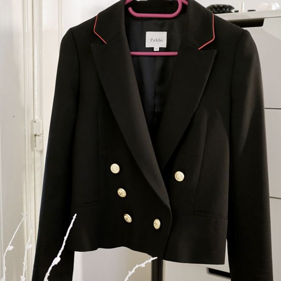 Shop this blazer by the french brand Pablo - Size 36 ( T1).  Perfect condition Price 75€ #secondhand #blazer #sales  Click on link for my online boutique