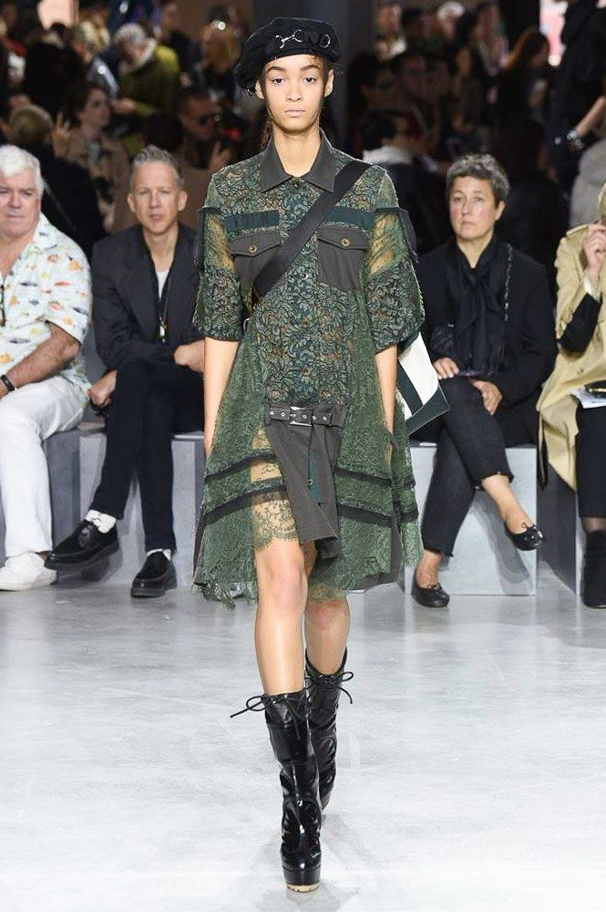 See the complete Sacai Spring 2017 Ready-to-Wear collection.
