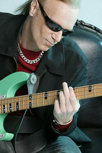 Billy Sheehan to host exclusive ICMP Masterclass (Guitarsite)