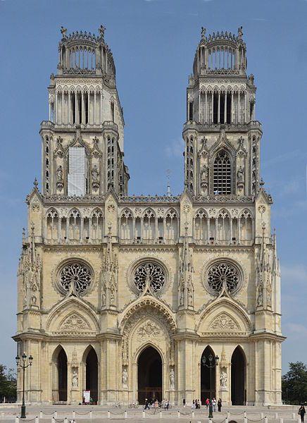 La cath drale sainte croix est une cath drale catholique romaine de type goth - Une cathedrale gothique ...