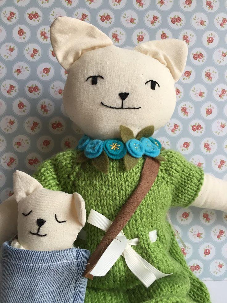 Bambola gattina con cucciolo di BamboleCo su Etsy