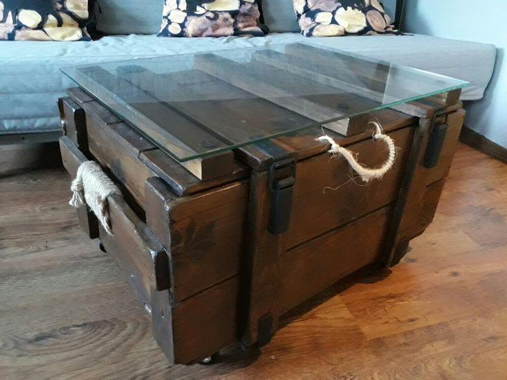 Stolik kawowy handmade ze skrzyni wojskowej. Coffee table. W stylu industrial.