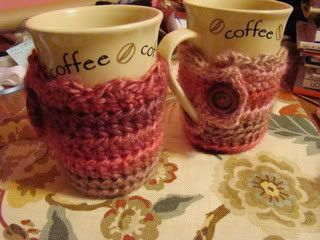 Adorable coffee / tea cup cozies with scallop and button... Free #crochet pattern... great for beginners