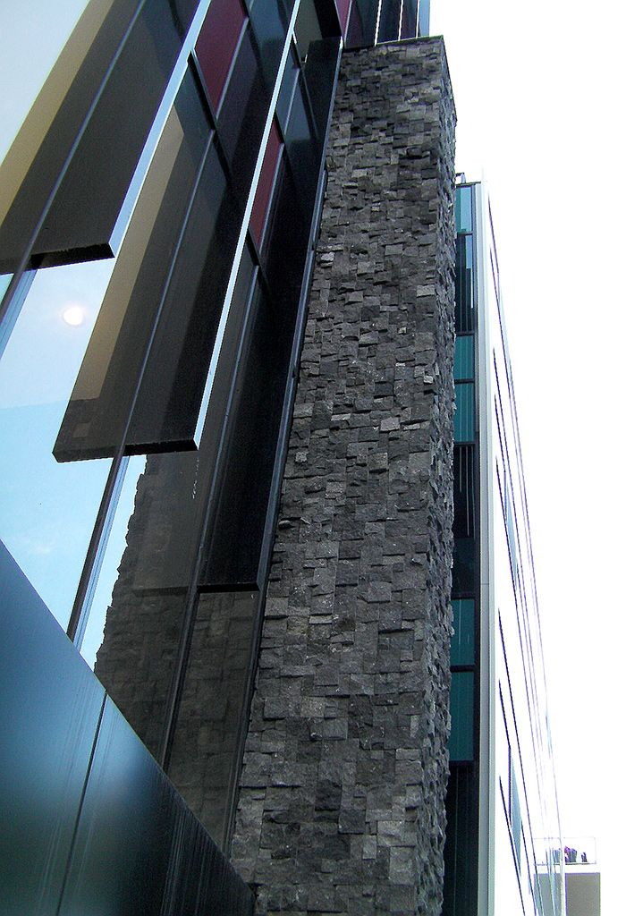 Stone projects gallery of stone paving, stone pebbles, stone tiles, tiles & mosaics, walling & veneers displaying excellent quality and range.